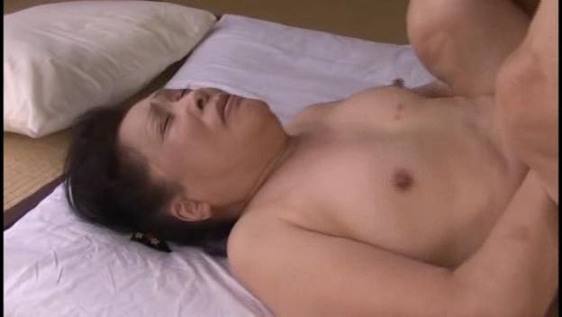 - 高級住宅街で見つけたセレブ熟女ナンパ中出し アダルト 動画