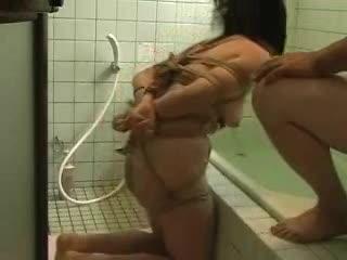 緊縛マゾ小娘をお風呂場水責め指導☆☆[拷問/窒息]