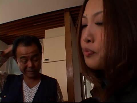 熟女のレイプ無料jyukujyo動画。近所に住む変態オヤジに襲われ強制...